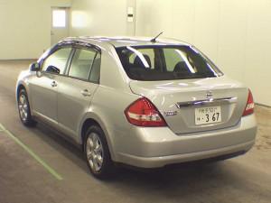 online Nissan Tiida Latio